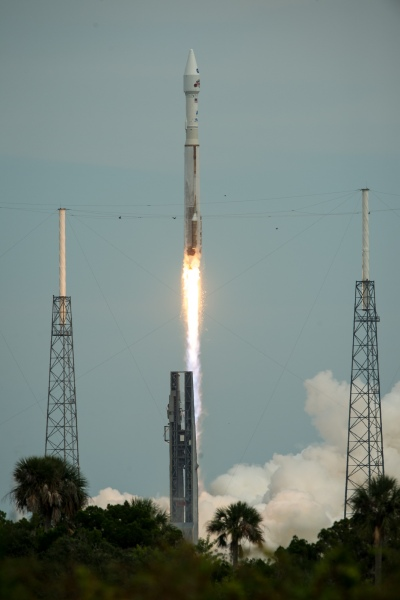 atlas-5-rocket-maven-launch